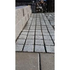 Smågatsten på nät importerad ljus granit